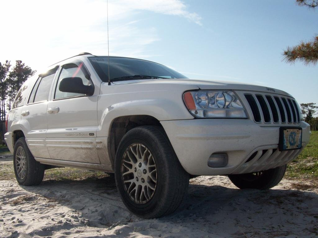 Showcase cover image for claxton's 2003 Jeep Grand Cherokee
