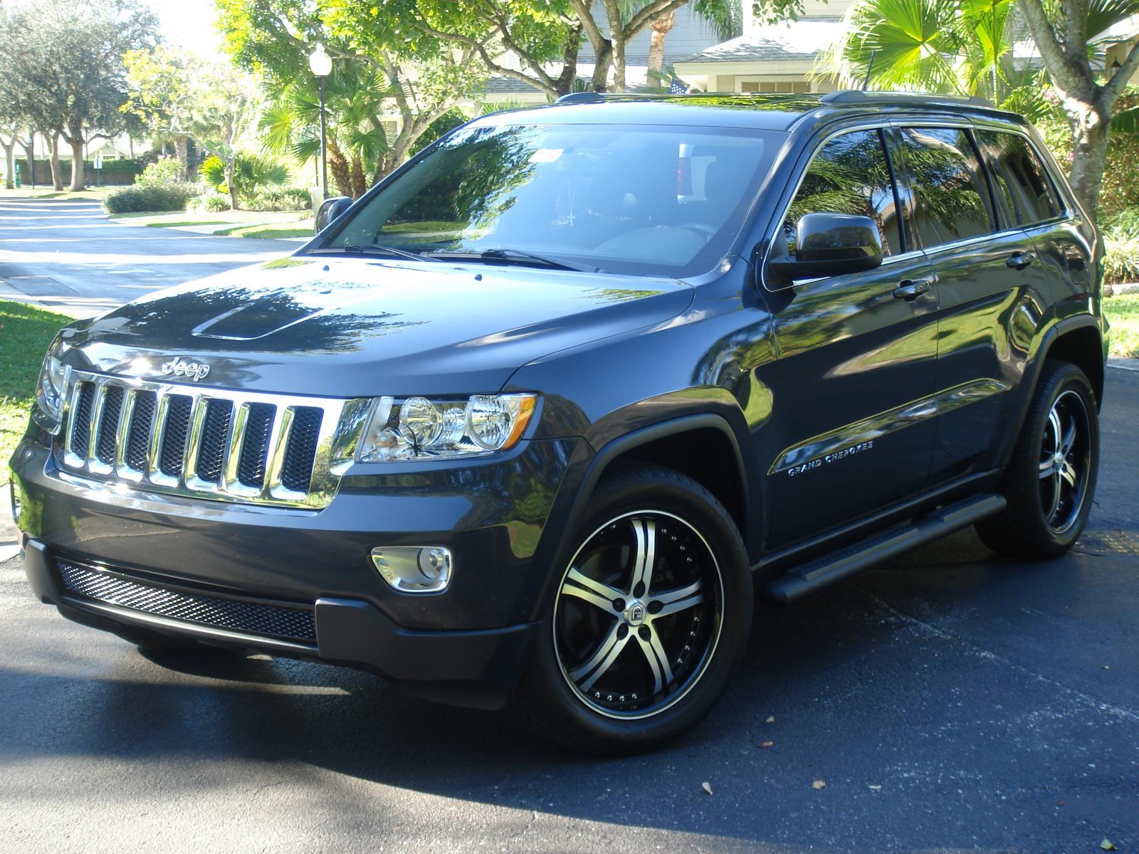 Jeep Grand Cherokee   2011 (a)