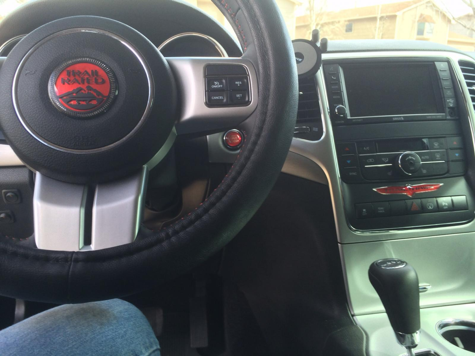 Steering wheel, Engine start/stop and Trailhawk badge by Rebadge